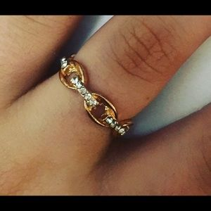 Jewelry - Rose Gold Chain Link Rhinestone Ring